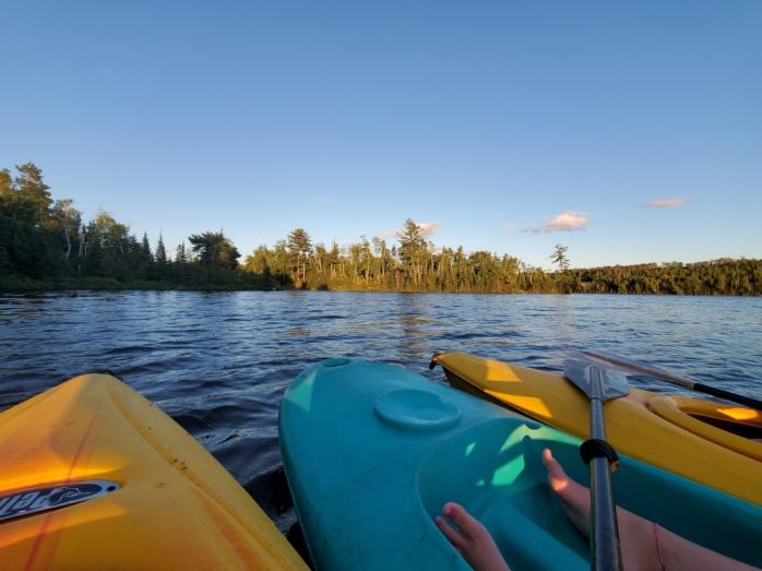 3 kayaks from Northwind Lodge floating on Jasper Lake